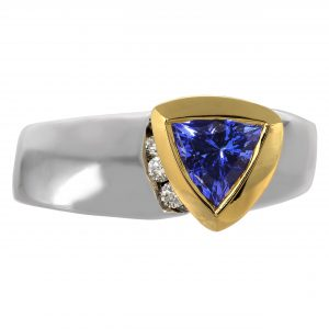 0.90ct Tanzanite & Diamond 'Halo' Design Ring